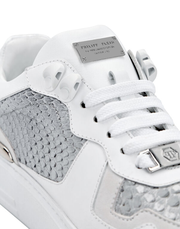 Python Lo-Top Sneakers G.O.A.T. TM