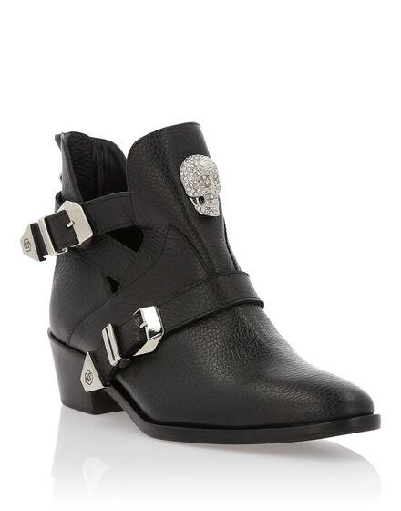 Boots Low Flat Nightmute