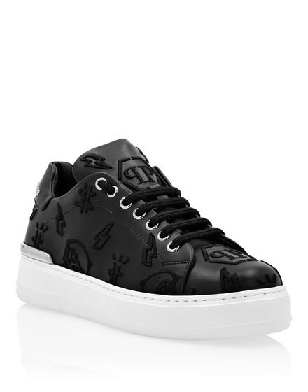 Leather Lo-Top Sneakers Embroidery Monogram