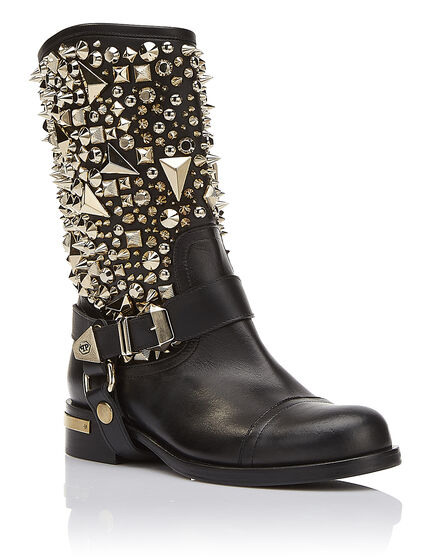 Boots Flat High Strong woman