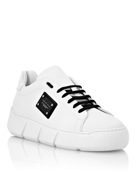 Lo-Top Sneakers Istitutional
