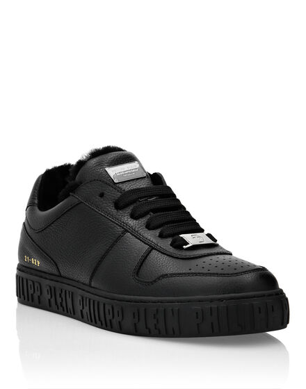 Leather Lo-Top Sneakers Shearling lining King Power