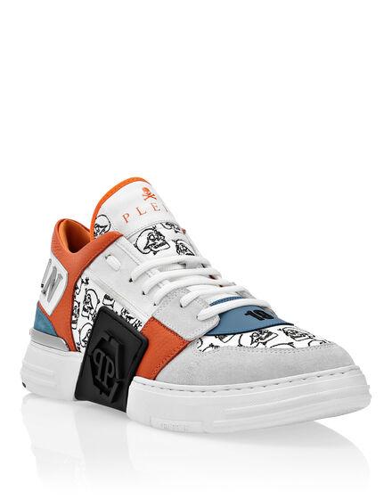 PHANTOM KICK$  Lo-Top Sneakers Skull